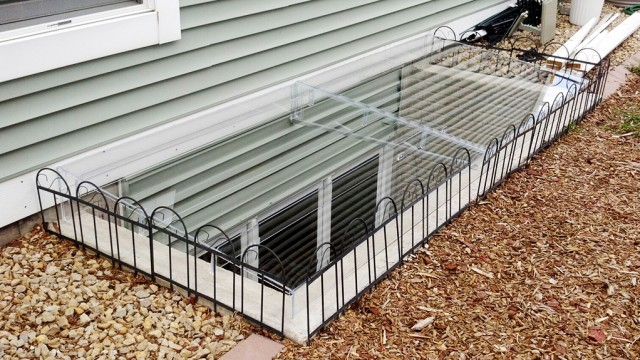 Acrylic Egress Window Well Cover Cement Frame with Fencing